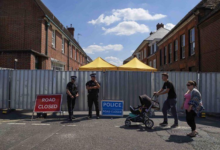 """El neurotóxico ruso Novichok mata a británica; Rusia dice que es """"absurdo"""" acusarlos"""