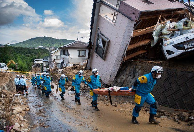 Japón entre barro y escombros por intensas lluvias; hay al menos 124 muertos