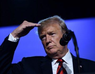 """Trump amenaza con cierre federal y exige construir """"rápido"""" el muro en la frontera con México"""
