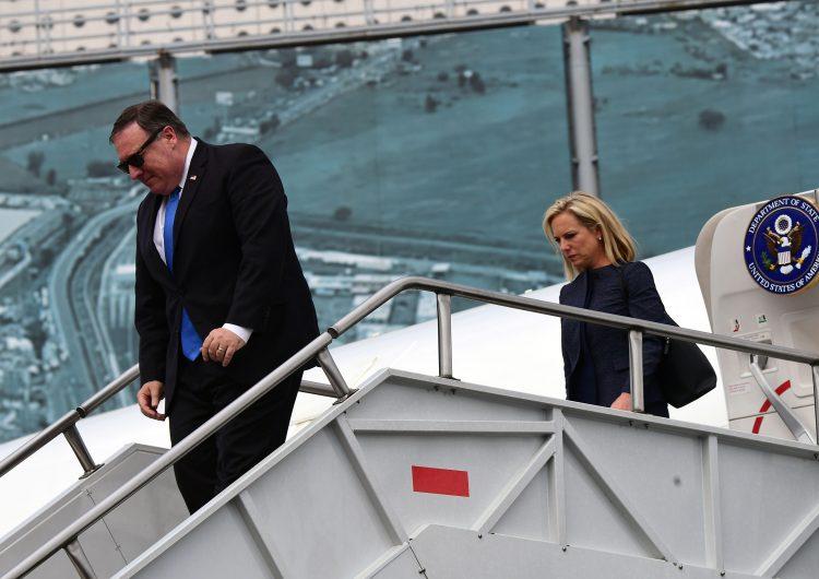 Pompeo y funcionarios de EE. UU. llegan a la casa de transición de AMLO