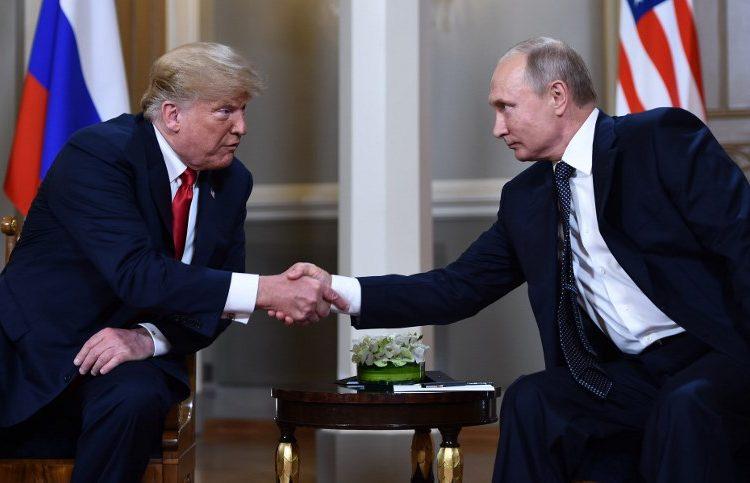 Trump y Putin se elogian, buscan salvar su relación y dejan de lado la injerencia rusa en las elecciones