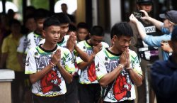 Sin comida y bebiendo agua: niños de Tailandia relatan cómo…