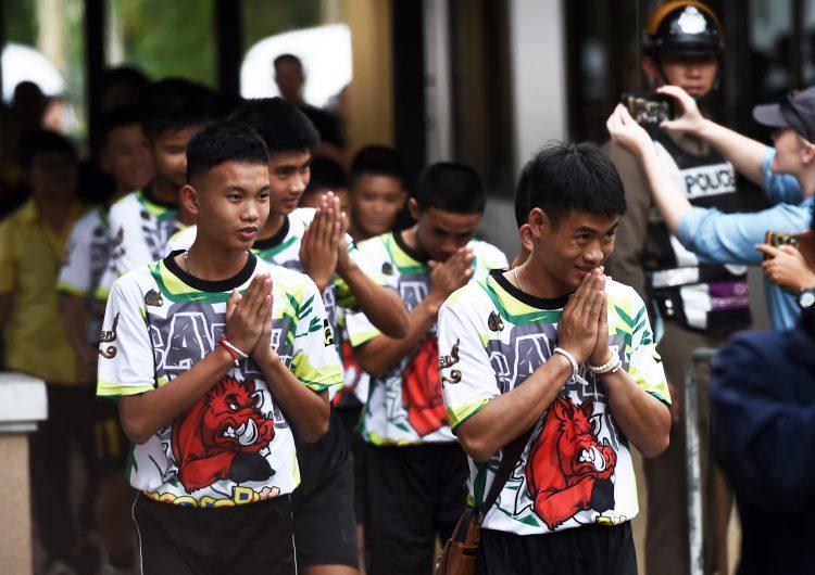 Sin comida y bebiendo agua: niños de Tailandia relatan cómo sobrevivieron dentro de la cueva