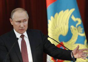 Putin denuncia que 'fuerzas' de EE.UU. quieren terminar sus acuerdos con Trump