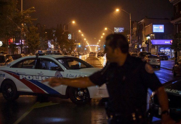 Un hombre mata a dos personas y hiere a 12 en un tiroteo en Canadá