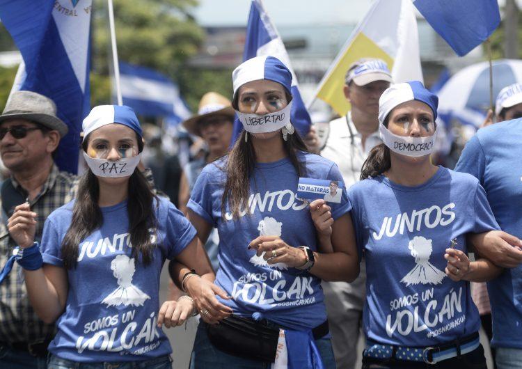 La Iglesia sale a protestar a las calles contra la represión en Nicaragua