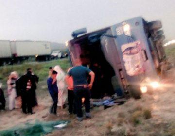 Reportan 12 lesionados tras choque de autobús con peregrinos en NL