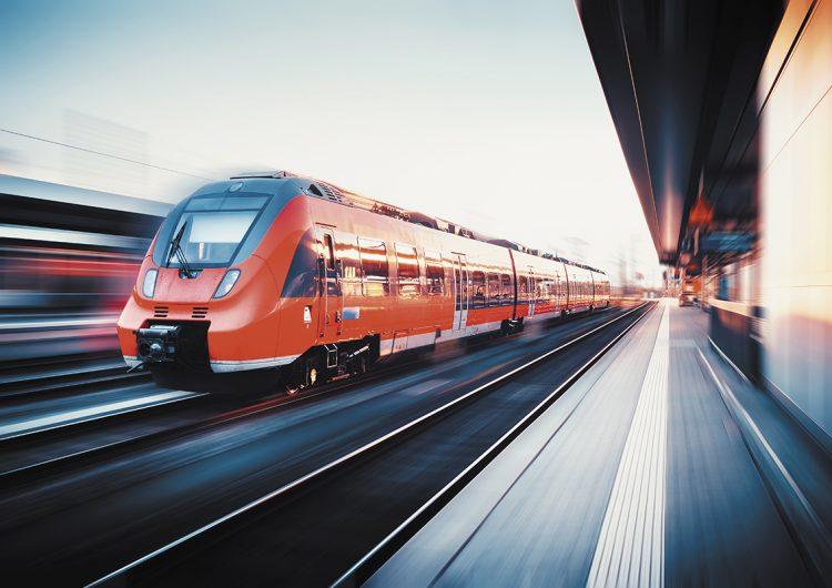 El viaje en tren: conectando gente, lugares y culturas