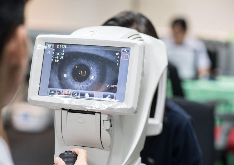 ¿La inteligencia artificial remplazará a los médicos? Hoy ya diagnostica esta enfermedad ocular