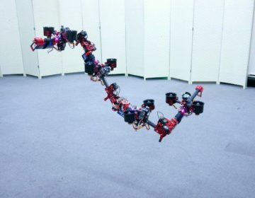 """Un """"Transformer"""" real: científicos japoneses crean robot que vuela y cambia de manera autónoma"""