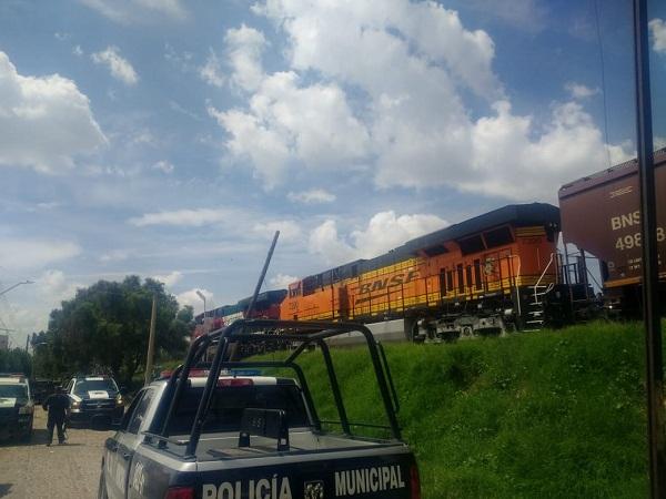 Detienen a adolescente que intentó descarrilar el tren para robar mercancía