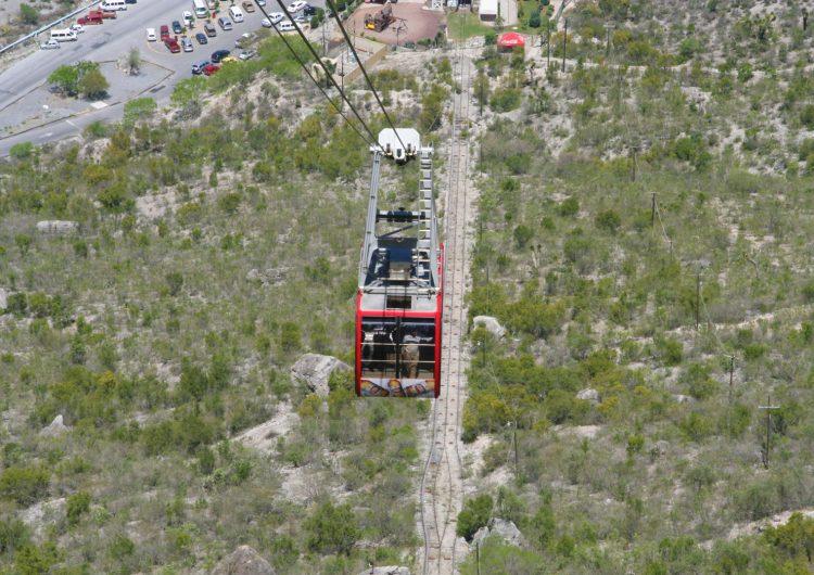 Cierran teleférico del Parque Grutas de García afectado por lluvias