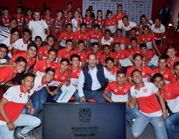 Firman convenio INEPJA y Necaxa para abatir rezago educativo