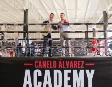 """""""Canelo"""" Álvarez inaugura escuela de box con su nombre en Jalisco."""