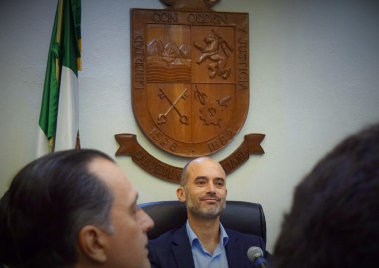 """Acuerdan transición en San Pedro, """"joya de la corona"""" que el PAN entregará a un independiente"""