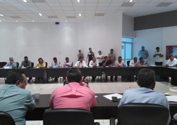 Asisten wixárikas de Jalisco a reunión en Nayarit por conflicto territorial