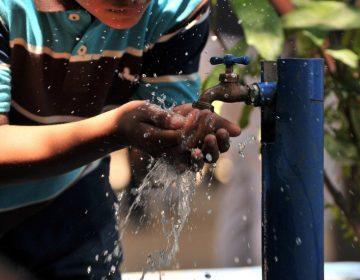 Carecen de regulación cerca de 100 mil tomas de agua en viviendas de Monterrey