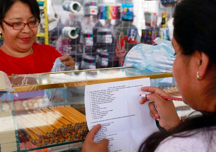 Aumentan 20% precios de útiles escolares; ventas en papelerías caen 30%