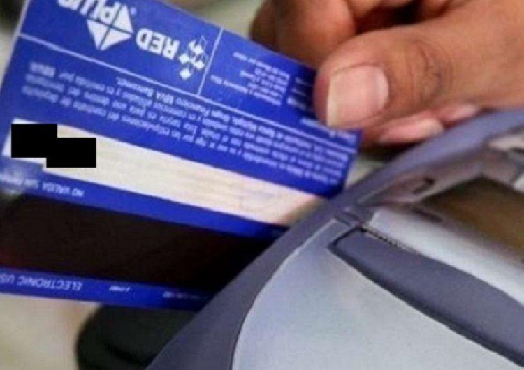 Repuntan quejas en Condusef por abusos con tarjetas de crédito y débito