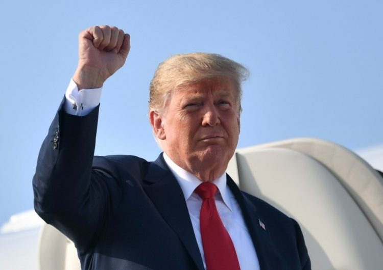 """Trump defiende el aumento de aranceles a China y dice que medidas así """"funcionan mucho mejor"""" de lo previsto"""