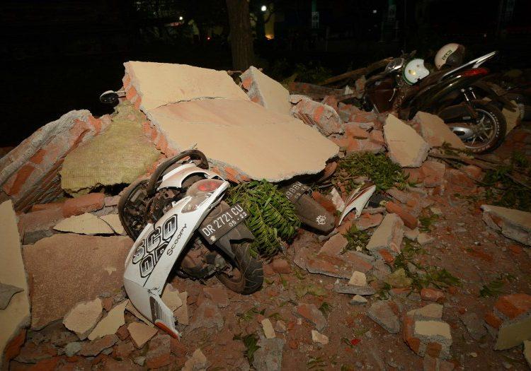 Otro terremoto afecta a Indonesia: hay al menos 82 muertos