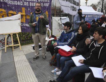 Las 57 universidades públicas de Argentina, en paro y sin recursos para operar
