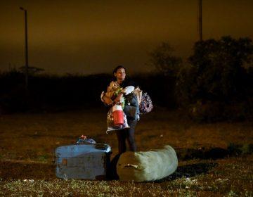 """Venezolanos aseguran que Ecuador los """"engañó"""" y les impidió cruzar a Perú"""