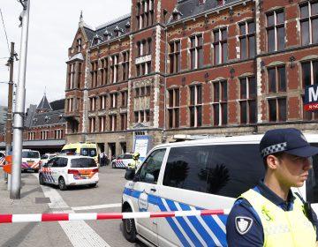 Ataque con cuchillo en la estación ferroviaria de Ámsterdam deja a dos personas heridas