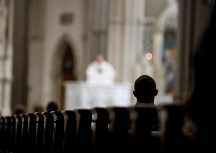 """El Vaticano condena abusos """"criminales"""" en el caso de curas pederastas"""