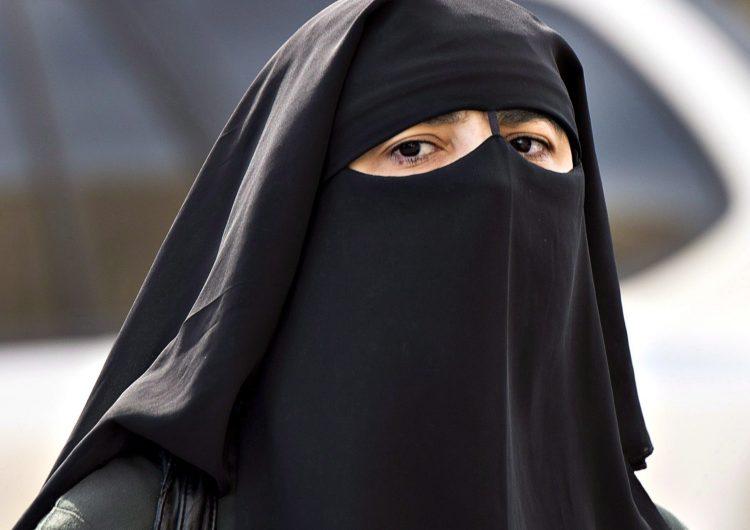 Por qué las mujeres musulmanas ya no podrán usar velo en Dinamarca