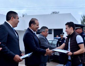Entrega gobierno estímulos a policías destacados