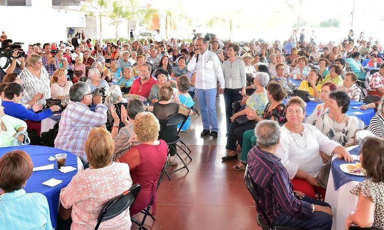 Lanza gobierno programa integral de atención a adultos mayores