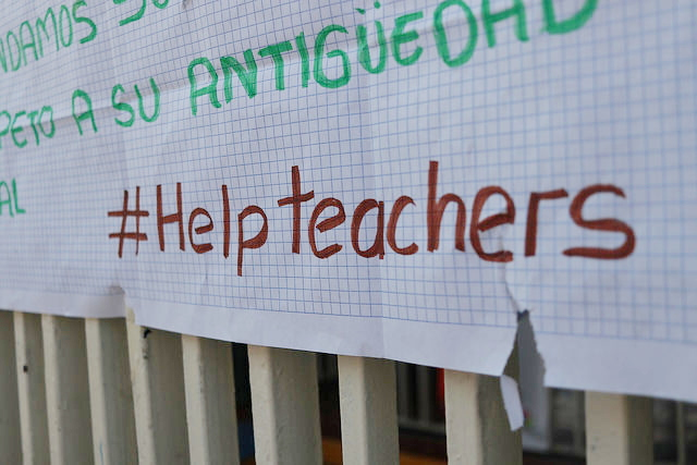 """Acuerdan solución """"a medias"""" al conflicto con los """"teachers"""""""