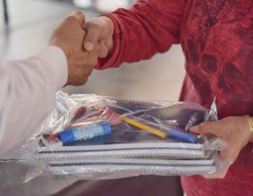 Entrega el gobierno de JM apoyos escolares en comunidades vulnerables