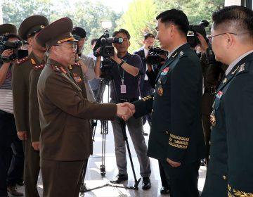 Los Ejércitos de las coreas se reúnen en la frontera en busca de la paz