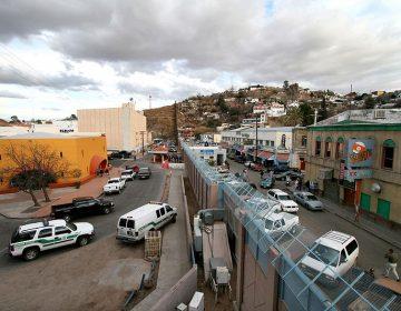"""Detienen a dos """"polleros"""" que trasladaban 161 inmigrantes centroamericanos"""
