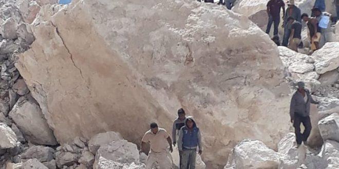 De luto en Dengantzha; buscan a 2 mineros, van tres muertes