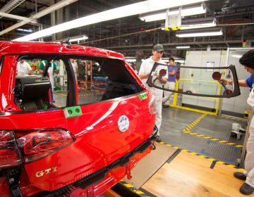 Duplica petición de alza salarial en VW al promedio de incremento en el país