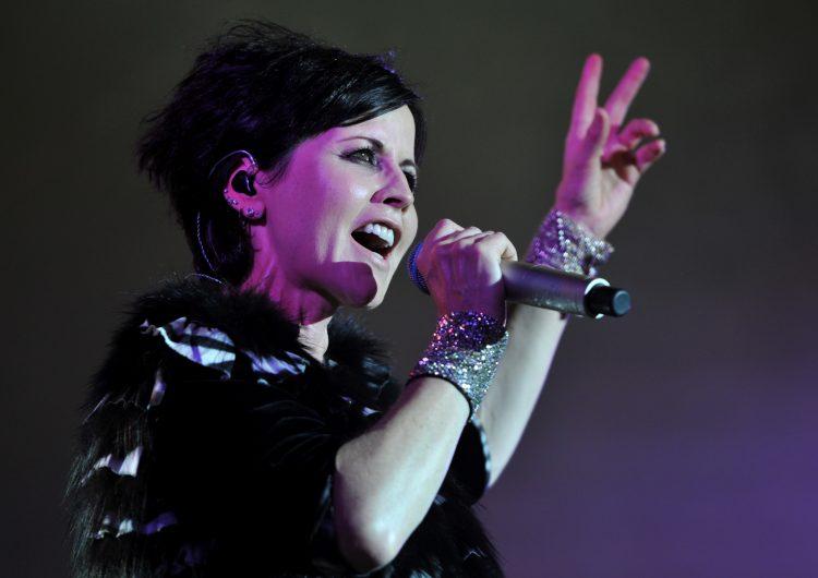La cantante de Cranberries se ahogó accidentalmente en el baño, según forense