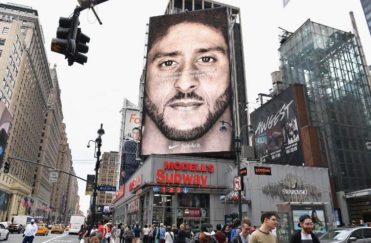 Tras una semana de ataques, Nike incrementa ganancias y defiende campaña con Kaepernick