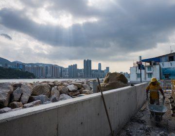 Supertifón Mangkhut llega a Filipinas y desaloja a miles de personas
