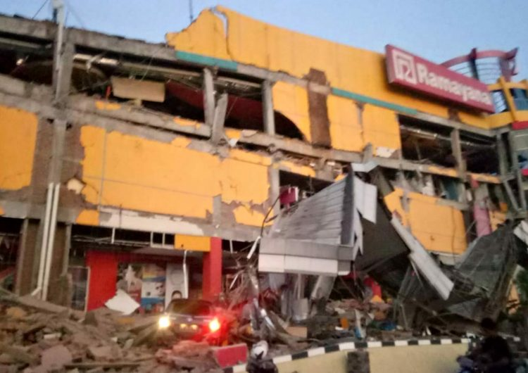 Sismo de magnitud 7.5 y tsunami sacuden el centro de Indonesia