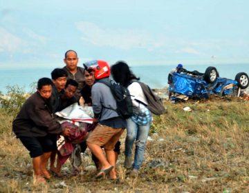 Casi 400 muertos y cientos de heridos en sismo y tsunami en Indonesia