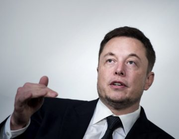 Elon Musk: cómo un tuit le costó la presidencia de Tesla y una multa de 20 millones de dólares