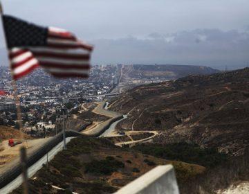 La administración Trump ofreció millones a México para que deporte migrantes; gobierno lo rechazó