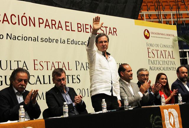 No ha habido maestros despedidos por evaluación docente: Moctezuma