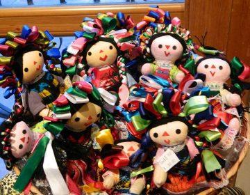 Encuentran droga en el interior de una muñeca típica mexicana