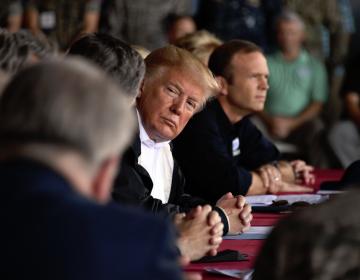 Trump defiende a su candidato a la Corte; pide que mujer que lo acusa de acoso testifique