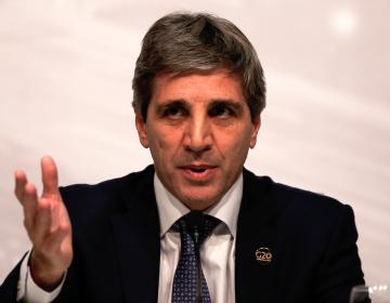 Renuncia presidente del Banco Central de Argentina en plena renegociación con el Fondo Monetario