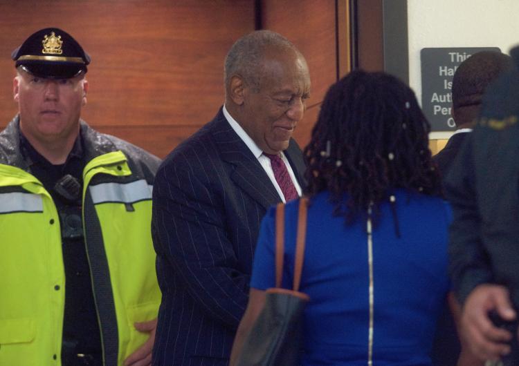 Condenan a cárcel a Bill Cosby por agresión sexual